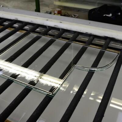 Herstellung von Antikglas für die Restauration